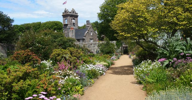 Garden Walks & Tours of La Seigneurie