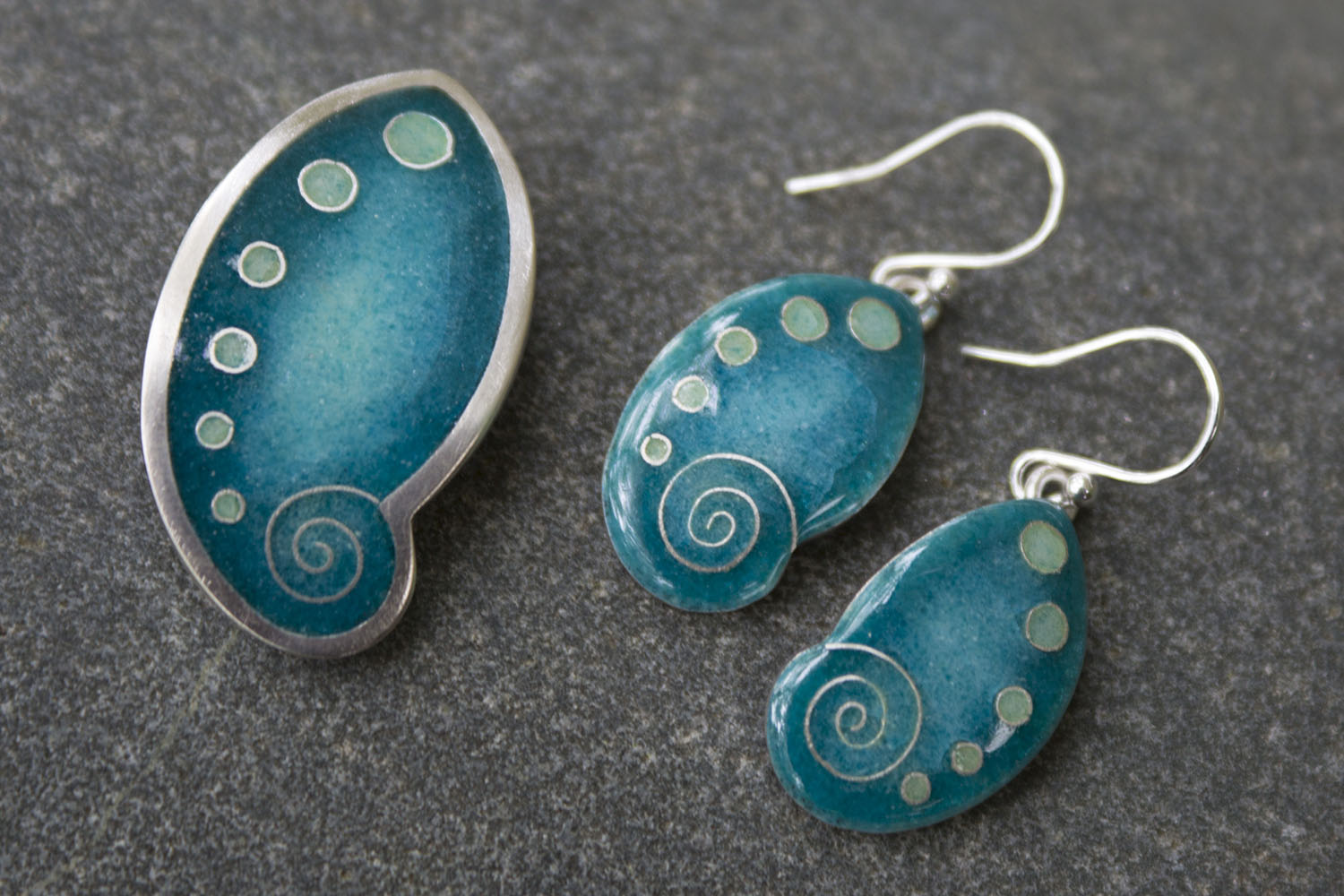 Ormer pendant & earrings